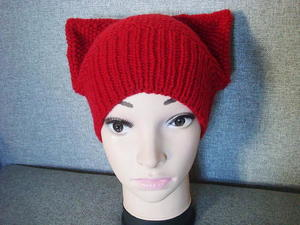 Kitty Seed Stitch Hat free knitted hat pattern