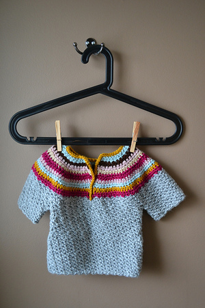 Wattle Stitch Baby Sweater Free Crochet Pattern